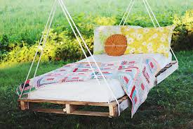 diy pallet swing bed themerrythought