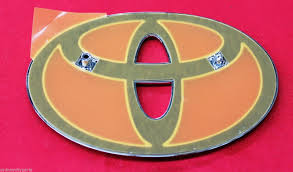 TOYOTA ECHO BONNET EMBLEM NCP1# HATCH FROM MARCH 99> NEW GENUINE ...