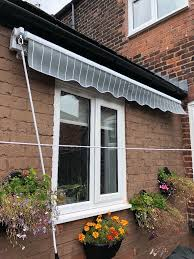 wall mounted patio awning canopy with free storage bag