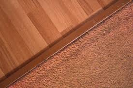 How to Transition From Laminate Floor to Carpet