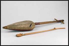 Beberapa contoh alat musik yang masuk klasifikasi ini adalah gong, kastanyet, bonang, angklung, saron, dan gender. Alat Musik Tradisional Indonesia Penjelasan Gambar Dan Namanya