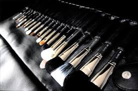 your makeup brushes how to clean bare minerals makeup brushes properly a brush kit