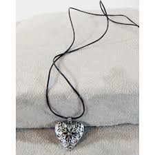 heart frankincense diffuser necklace2 1000x1000 jpg