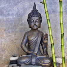 statue bouddha en méditation pour une ambiance zen