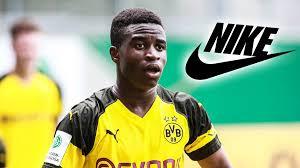Jun 02, 2021 · bei youssoufa moukoko geht es schlag auf schlag: Mega Deal Fur Bvb Talent Moukoko Unterschreibt 10 Millionen Vertrag Mit Nike Sportbuzzer De