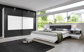 Modernes Rauch Schlafzimmer Mit Schwebetürenschrank Alpinweiße