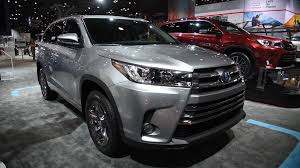 2018 toyota highlander limited platinum.  highlander gas engines will get sixspeed automatic transmission while the hybrid  model gets a cbt regular v6 highlanders comes standard with twd and fwd is  throughout 2018 toyota highlander limited platinum m