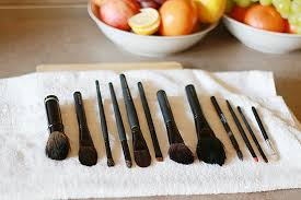 how to clean makeup brushes with coconut oil. how to clean your makeup brushes, disinfect make up brush, brush cleaning, coconut brushes with oil
