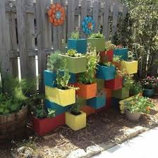 São muitas as opções de jardins e canteiros,. Decoracao Para Jardim Com Blocos De Concreto Como Plantar E Cuidar