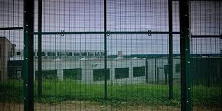"""Résultat de recherche d'images pour """"photos centres fermés"""""""