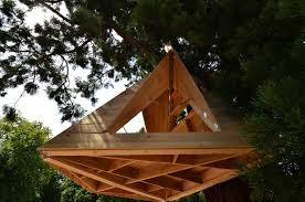 Hanging Tree House Configurable Wooden Shelter Hangs From The Treetops Live Long Led