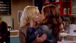 Perfect girls lesbian kiss