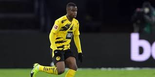 The moment we've been waiting for 🥰 youssoufa becomes the youngest player in the history of the bundesliga (16 years, 1 day). Plus Jeune Joueur De L Histoire De La Bundesliga Youssoufa Moukoko Est Destine A Aller Haut Dh Les Sports