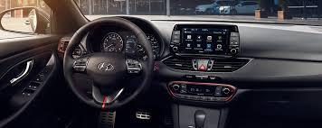 2018 hyundai elantra gt. fine elantra standard 8inch touchscreen and rearview camera in 2018 hyundai elantra gt