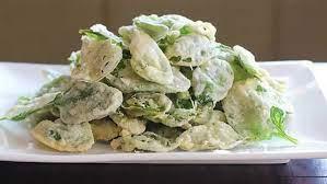 • 250 gr tepung terigu protein sedang • 250 gr tepung terigu protein rendah • 1 sdt baking powder • 150 gr daun bayam. Resep Keripik Bayam Krispi Lifestyle Fimela Com