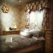 Laura Ashley Bedroom Bedroom Ala Laura Ashley On Chocolate Hill