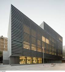 Exterior shading Social Security Administration Building In Barcelona / BCQ  Arquitectura