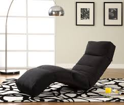Furniture:Comfy Tv Lounge Chair For Home Family Room With White Pattern Rug  On Laminated