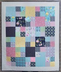 Pinterest'teki 25'den fazla en iyi Fat quarter quilt fikri & Love this version of our free Fat Quarter Shop pattern: Layer Cake  Checkmate! Adamdwight.com