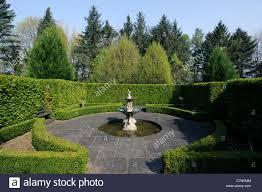 Fontaine Design Jardin Jardin En Contrebas Salon Formel Architectural Design