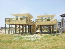 beach house floor plans on stilts awesome beachfront tiny houses stilts beach house stilt home