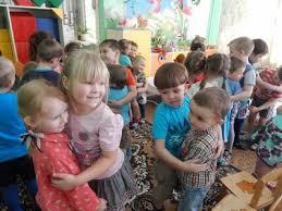 Реферат духовно нравственное воспитание дошкольников Воспитание  Перед встречей с малышами с детьми старшей группы была проведена беседа о добре дружбе взаимоотношений между детьми