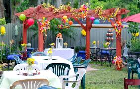 Small Picture Ideas for a Budget friendly Nostalgic Backyard Wedding