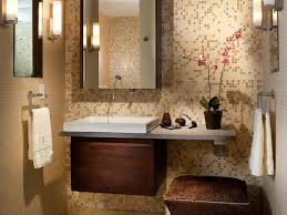 6 ways to maximize space in the bathroom