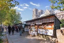"""Les bouquinistes de Paris, libraires à ciel ouvert ambassadeurs de la  """"culture française"""" - Voyage - LeVif Weekend"""
