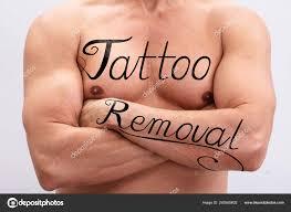 Text Odstranění Tetování Košili člověka Hrudníku Rukou Bílém Pozadí