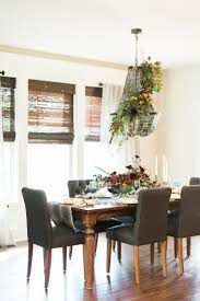 Q: How should scent come into play when creating an arrangement for a dinner  table?