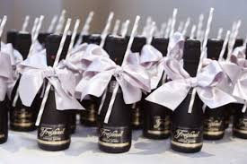 Brilliant Wedding Guest Favors 27 Coolest Drinkable Wedding Guest Favors  Weddingomania
