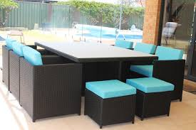 choosing the right modern outdoor furniture