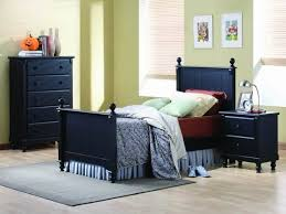 Small Bedroom Furniture Layout Small Bedroom Furniture Arrangement