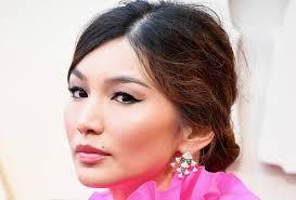 Родители — выходцы из китая. Gemma Chan S Genius Mascara Hack For Straight Lashes Beauty Crew