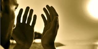 Hasil gambar untuk Perbanyak Doa kepada Tuhan