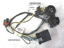 gm headlight harness oem gm 2007 2014 silverado front headlight lamp socket wiring harness 25962806