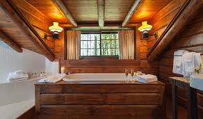 Models Tree House Bathroom Upstairs Is A Queen Bedroom And One Design