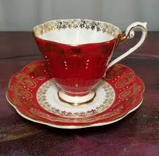 Decorative Cups And Saucers ROYAL STANDARD 100 Bone China England TEA CUP SAUCER Red Gold 28