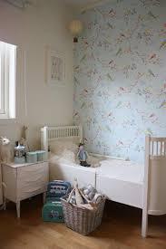 Vintage Kinderkamer Met Fantastisch Vogeltjes Behang Foto