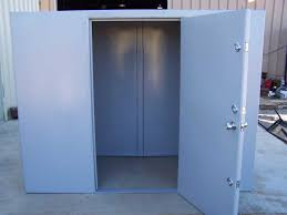 Storm shelter, Tornado door/ Safe room - Door and dock solutions