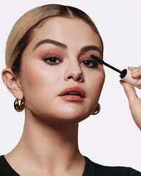 Selena Gomez (@selenagomez)