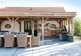 covered patio decorating ideas
