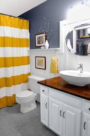 23 savvy and inspiring small bath designs