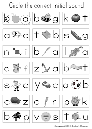 When your child sounds words out, they are learning the building blocks of spelling and kids are sure to have fun looking at the pictures and finding the missing letters on this alphabet worksheet. Kidstv123 Com Phonics Worksheets Phonics Kindergarten Alphabet Worksheets Kindergarten Alphabet Phonics