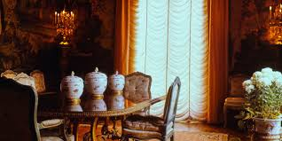 decorated by stéphane boudin the duke and ss of windsor s paris dining room was photographed in 1963 and published in vogue the following year