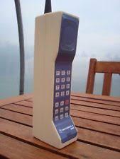 motorola 8000x. toy 1980s style vintage brick cell / mobile phone prop - motorola dynatac 8000x