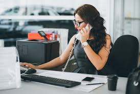 Personal Assistant Job Description Mesmerizing What's The Difference Between A Secretary And An Administrative