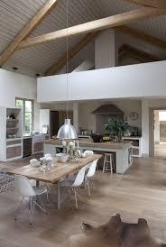 Awesome Idée Relooking Cuisine   Belle Hauteur Sous Plafond Dans Cette  Salle à.
