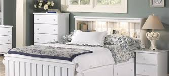 Classic White Bedroom Furniture | Lang Furniture | SHAKER Collection